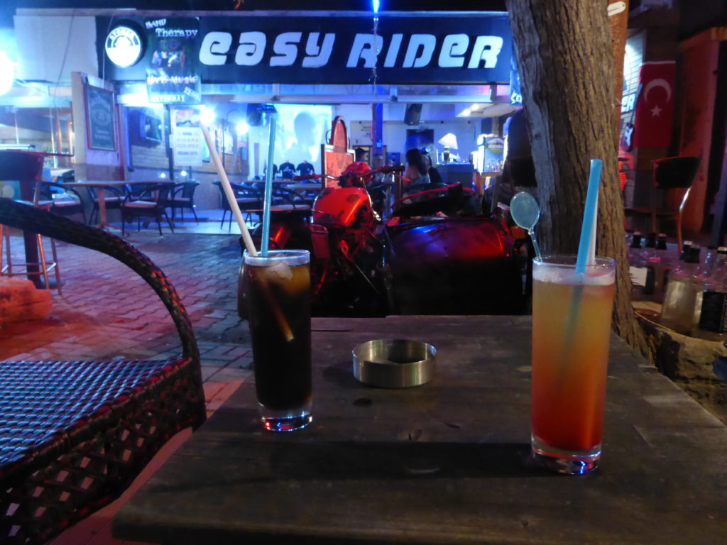 Romantic Side Cafe Easy Rider